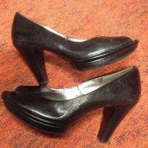 vintage 1940s style SOFFT peep toe heels 8.5